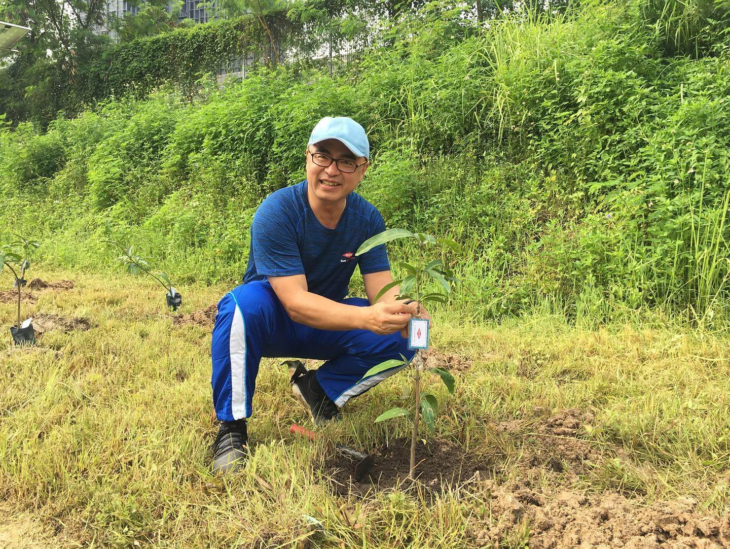 Volunteer with environment